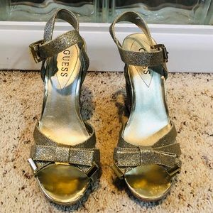 Guess Women's Wedge Sandal-Size 6